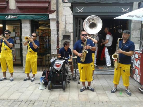 Les Incos à Bayonne